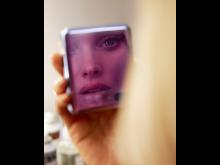 Flip it – Supermodellen Elsa Hosk ambassadör för Samsungs nya vikbara telefon_3
