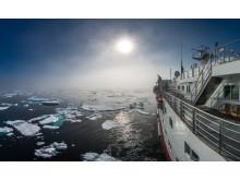 01 MS-Spitsbergen_HiRes_Karsten_Bidstrup_Hurtigruten