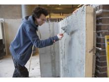 – Dette er det største prosjektet vi har hatt så langt, forteller førsteklassing Benjamin Berner Kristensen ved Hellerud videregående skole om Leca-veggen de har bygget.