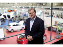Peter Shaw in the Thatcham Research Repair Technology Centre