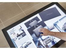 Digitalt bord hjälper kunden att bygga sin Vignale i Vignale Lounge