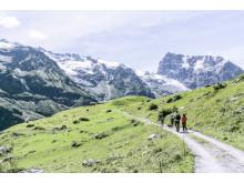Alpkaese-Trail_Engelberg_Wanderer©Engelberg-Titlis-Tourismus