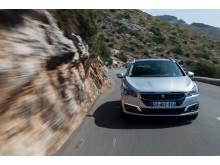 Sverigepremiär för sportigt eleganta Peugeot 508 - nytt utseende, klassledande förbrukning och nya automatlådor