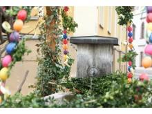 Vielerorts sind wunderschön geschmückte Osterbrunnen zu sehen, wie z.B. hier in Zwönitz