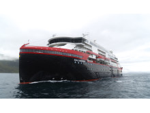 Hurtigruten MS Roald Amundsen 001 - hybrid powered - photo Hurtigruten