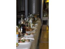 Insgesamt 400 Meter lang: Die XXL-Abendbrottafel im Airport Hannover.