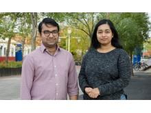 Anshuman Bhardwaj och Lydia Sam, forskare i atmosfärsvetenskap vid Luleå tekniska universitet.