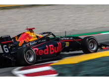 Sedan 2017 är Dennis Hauger en del av Red Bull Junior Team.