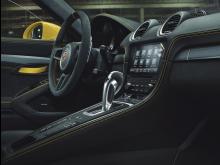 Porsche 718 GT4 med PDK dubbelkopplingsväxellåda.