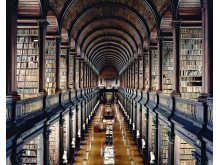 Trinity College Library Dublin I 2004. Copyright Candida H+Âfer_VG Bild-Kunst, Bonn