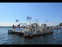 Müllsammelschiff Seekuh vor dem Camp 24/7