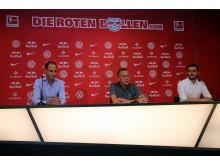 Beim Pressegespräch, v.l. Oliver Mintzlaff, Ralf Rangnick und Benjamin Ippoliti