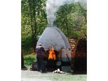 Gustav Kraitz bränner i ugnen, 1996