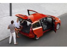 Nye Ford B-MAX med en unik døråpning på 150 cm bred.