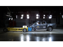 Isuzu D-Max - Mobile Progressive Deformable Barrier test