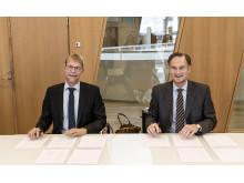 Underskrifterne blev sat af CEO i COWI Lars-Peter Søbye og CEO i Arkitema Architects Peter Hartmann Berg