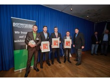 MOTORIST-Chefredakteur Jürgen Krieger freut sich mit den diesjährigen Siegern des Branchenpreises für Motoristen: Mirko und Lars Niehle, Andreas Julmi und Christian Petersen (v.l.n.r.).