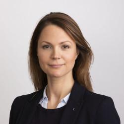 Nicole Forslund (L)