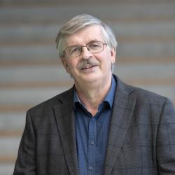 Martin Normark (L)