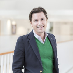 Erik Magni (tjänstledig)