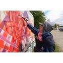 Nyskapande arkitekter lär pensionärer graffitikonst