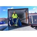 Elis först med att leverera textilier med eldrivna lastbilar