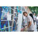 """""""Der Spruch kann vielleicht sogar einen Funken Hoffnung in die Leute bringen:"""" 56 Meter-Graffiti-Kunstprojekt mit klarer Botschaft"""
