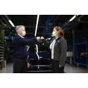 Schimbări de management la Ford România: Ian Pearson se retrage din activitatea profesională;  Josephine Payne – prima femeie care va conduce operațiunile de producție ale Ford în România