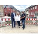 Gothaer überreicht 25.000 Euro Spende für die Instandsetzung der Fußgängerzone in Bad Münstereifel