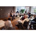 Musik- og Kulturskole rykkede ind på plejecenter: »Ih, de gør sig så umage!«