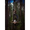 Luftakrobatik i Carlshöjdskogens trädtoppar