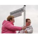 DOYMA-Pressemitteilung: Ihlenfeldtstraße feierlich eingeweiht - Gemeinde Oyten ehrt die DOYMA-Gründer
