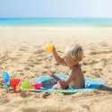 Sørg for at familiens yngste medlem får en morsom dag på stranden