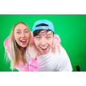 Youtube-stjärnorna Yumi & Tomu är nya ambassadörer för AjaBajaCancer