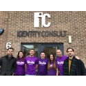 10 Sunderland runners team up to support Managing Director
