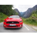 Sett deg bak rattet på nye Ford Mustang V8 på Silverstoneracerbanen i en fantastisk interaktiv video.