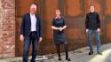 Avtroppende styreleder Jan Ole Mellby, adm.dir. Kristin Malonæs og ny styreleder Vegard Smenes. Foto: Turi Nordengen
