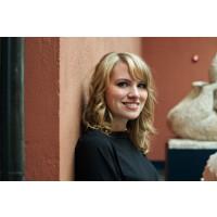 """Musikar og artist Marie Tveiten debuterer med romanen """"Bonus"""""""