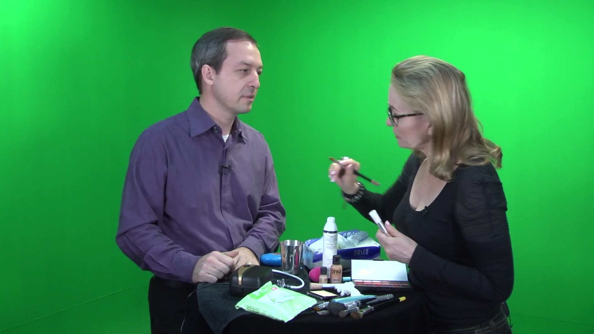 Video Savvy - Do you need make-up if you're shooting outdoors? (#5 of 6)