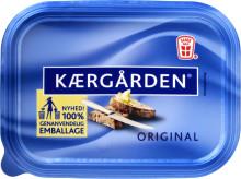 Danskernes smørbare klassiker fylder 30 år: Den gode smag af Kærgården forbliver den samme – men nu bliver emballagen mere klimavenlig