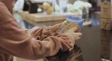 Arlan uuden juuston matka maatilalta kauppaan on maailman läpinäkyvin – kuluttajille on tarjolla suomalaisen innovaation avulla avattua ainutlaatuista tietoa