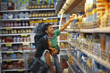 Arla køber strategisk osteforretning i Mellemøsten af Mondeléz International