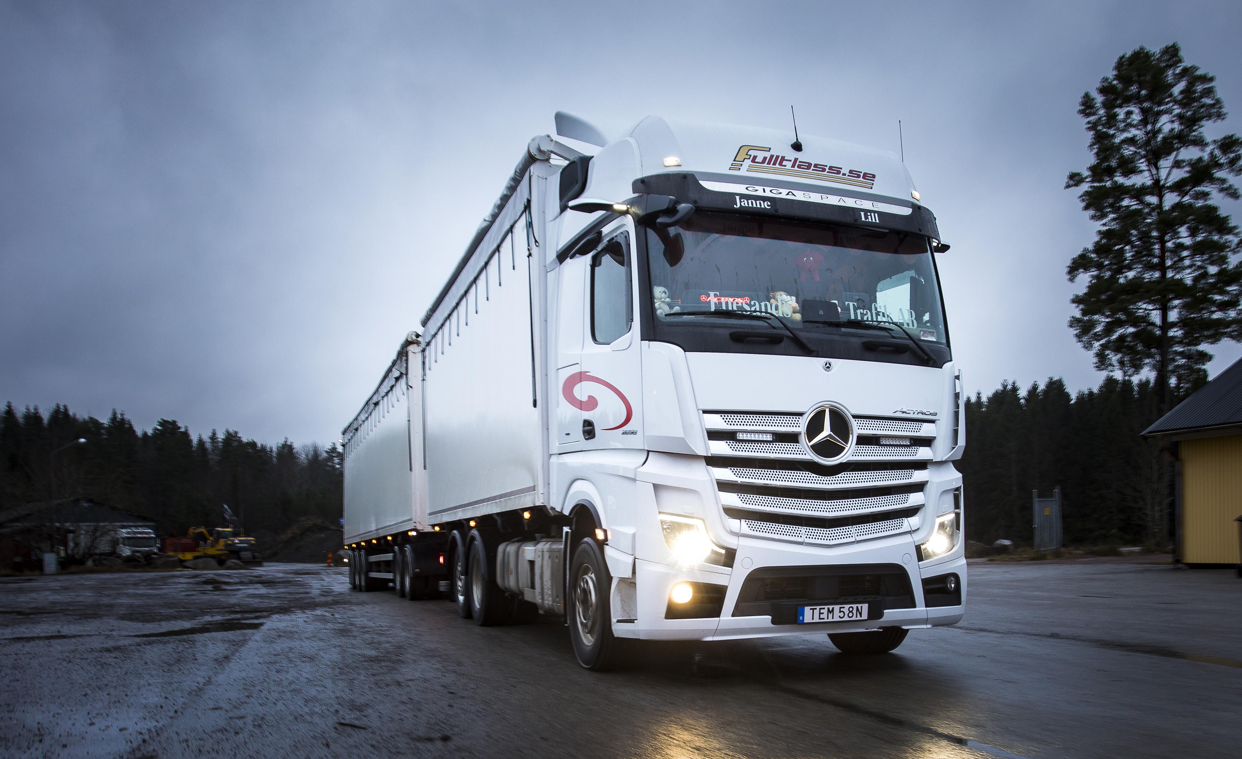 Fler än 50.000 lastbilar uppkopplade mot Mercedes-Benz servicenät