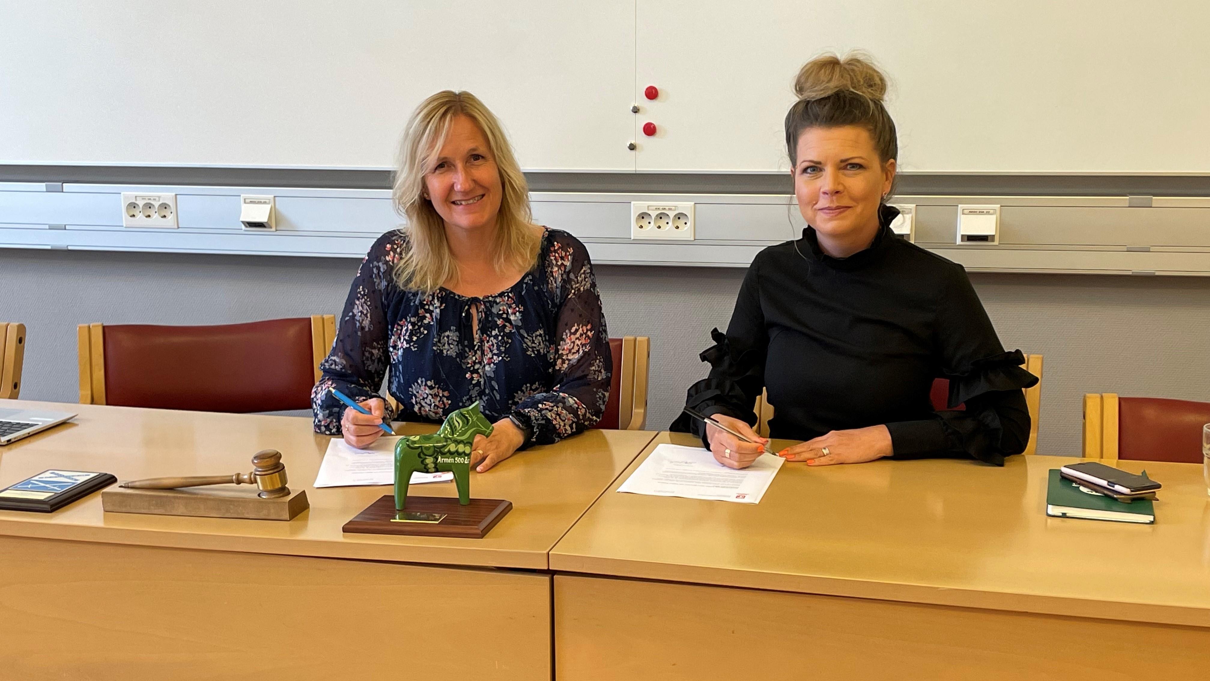 Anna Hed (C) kommunalråd i Mora kommun och Sofia Jarl (C), regionråd i Region Dalarna.