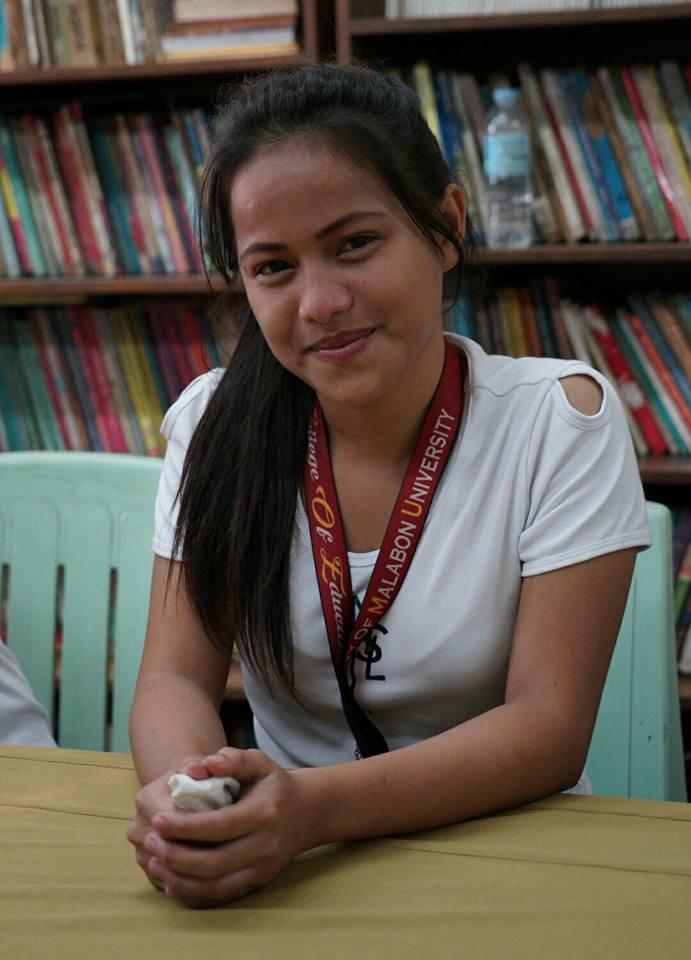 Help at Hand möjliggör utbildning för soptippsbarn i Manila