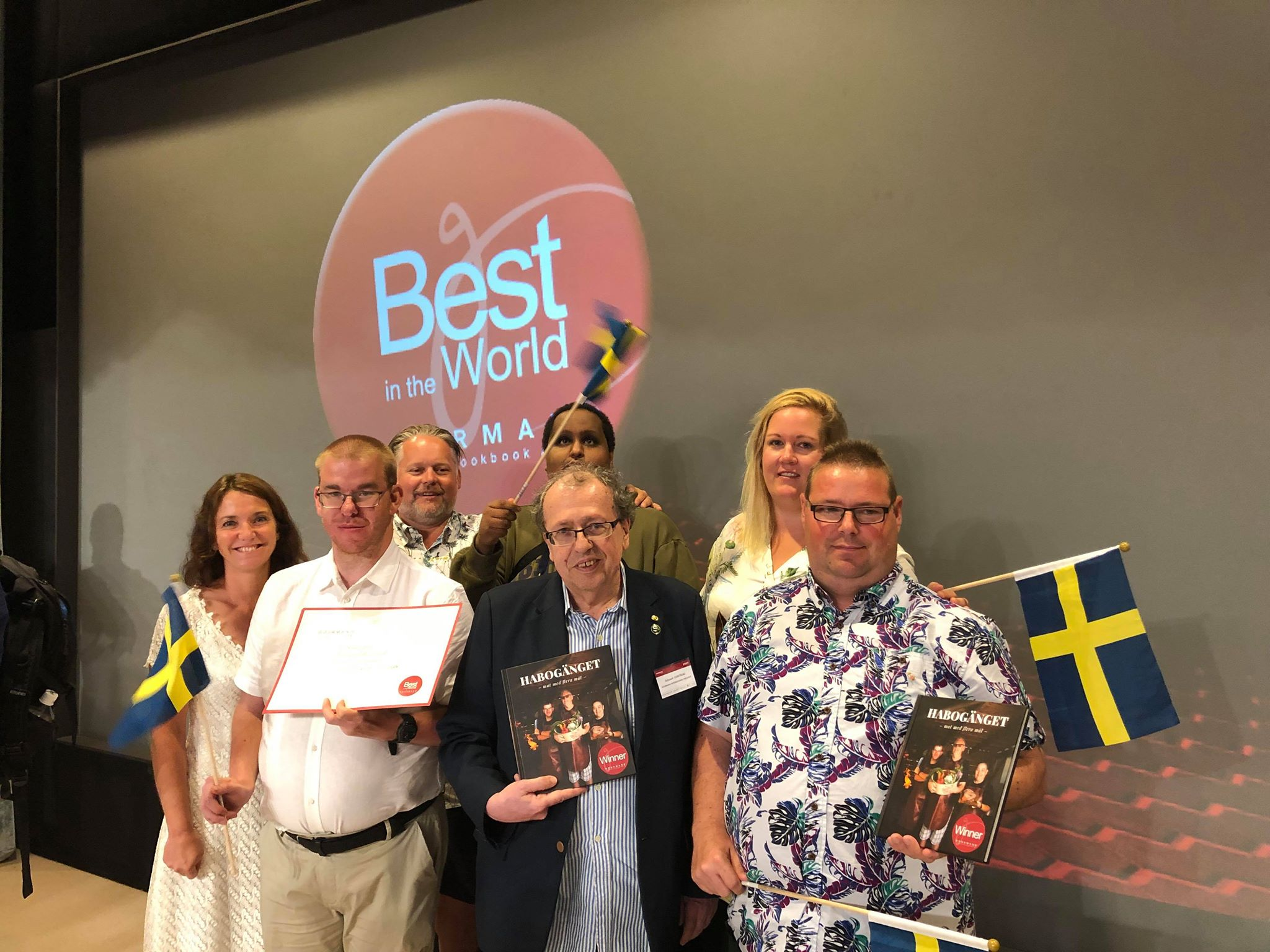 Glada vinnare tillsammans med Edouard Cointreau (mitten) från World cookbook gourmand awards.