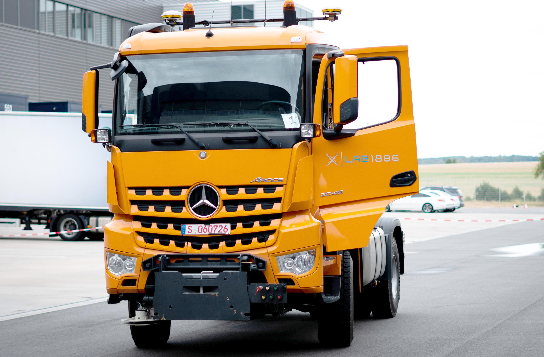 Självkörande lastbil från Mercedes-Benz på ELMIA (justerad)