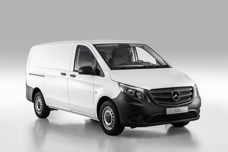 Mercedes först med online-försäljning av transportbilar